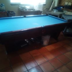 Pool Table,8' Brunwick Ventura